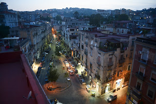 Dusk in the Rione Sanità district of Naples, where Totò grew up in the early years of the 20th century