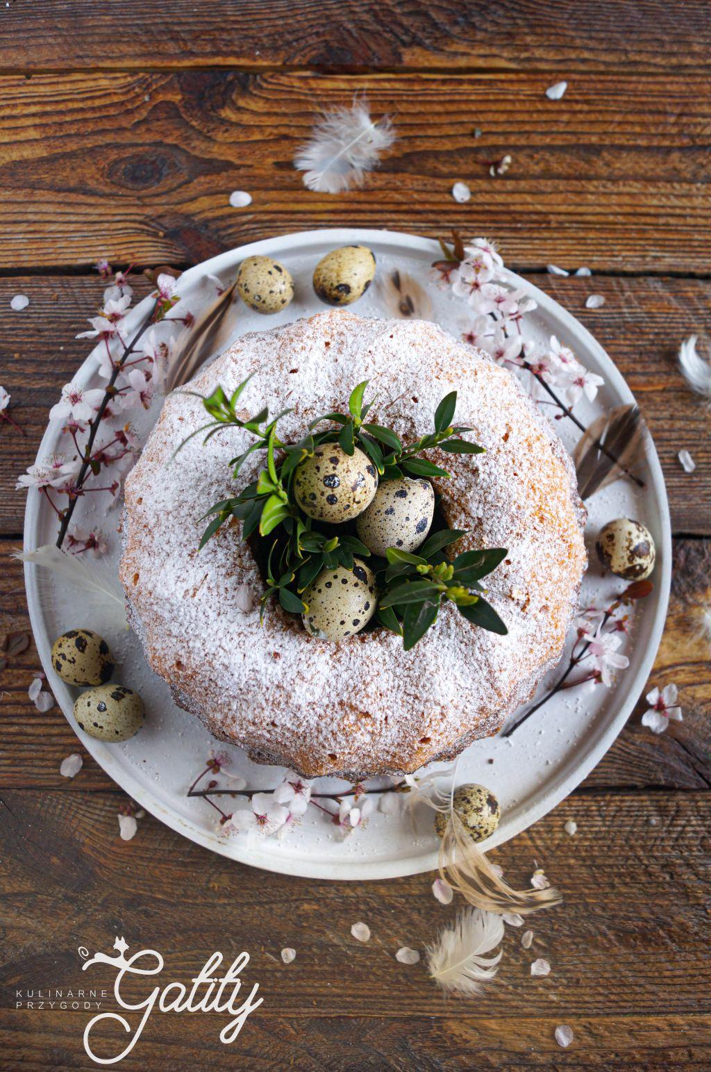 okragle-ciasto-widok-z-gory