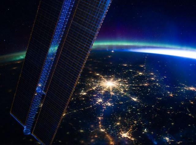 صور وخلفيات محطة فضاء HD لسطح المكتب مجاني