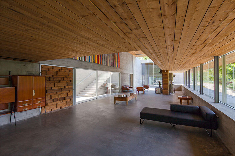 wohnzimmer wei e m bel, geres house by carvalho araújo, Design ideen