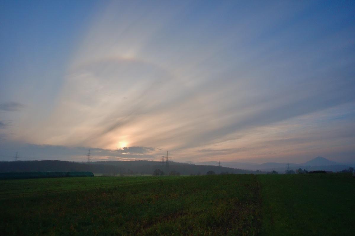 Sonnenaufgang mit Halo