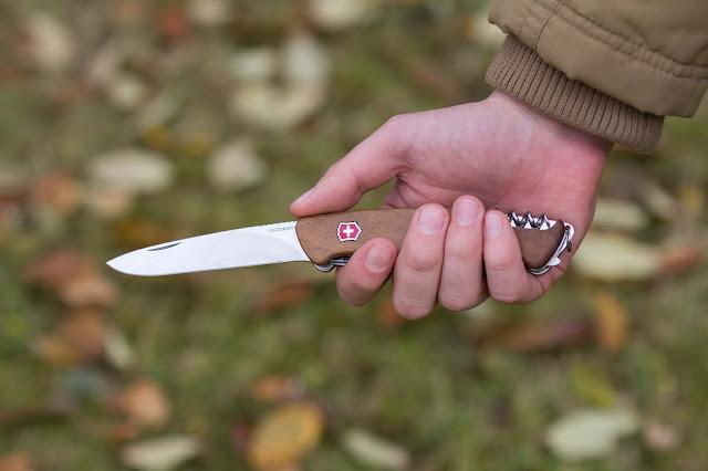 Victorinox Rangerwood-55 Taschenmesser schweizer-messer mit gravur nussbaum 01