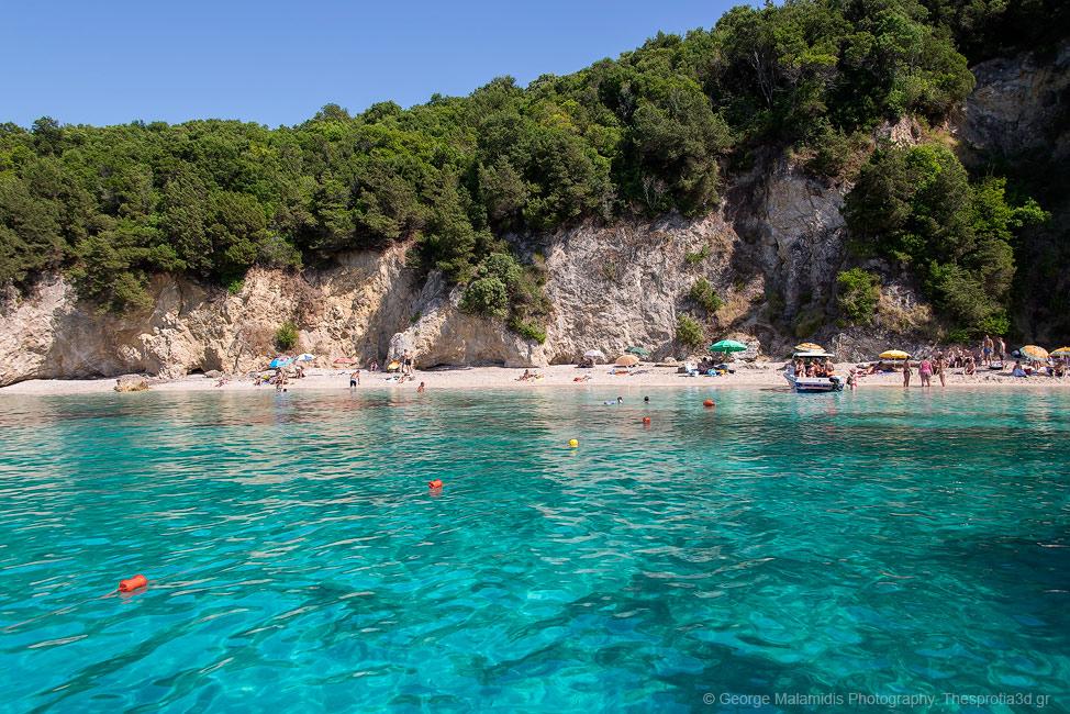 ROMIANEWS: Παραλία Πισίνα στα Σύβοτα Θεσπρωτίας