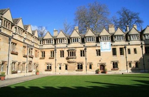Syarat Beasiswa Oxford University Program S2 Tahun 2021-2022