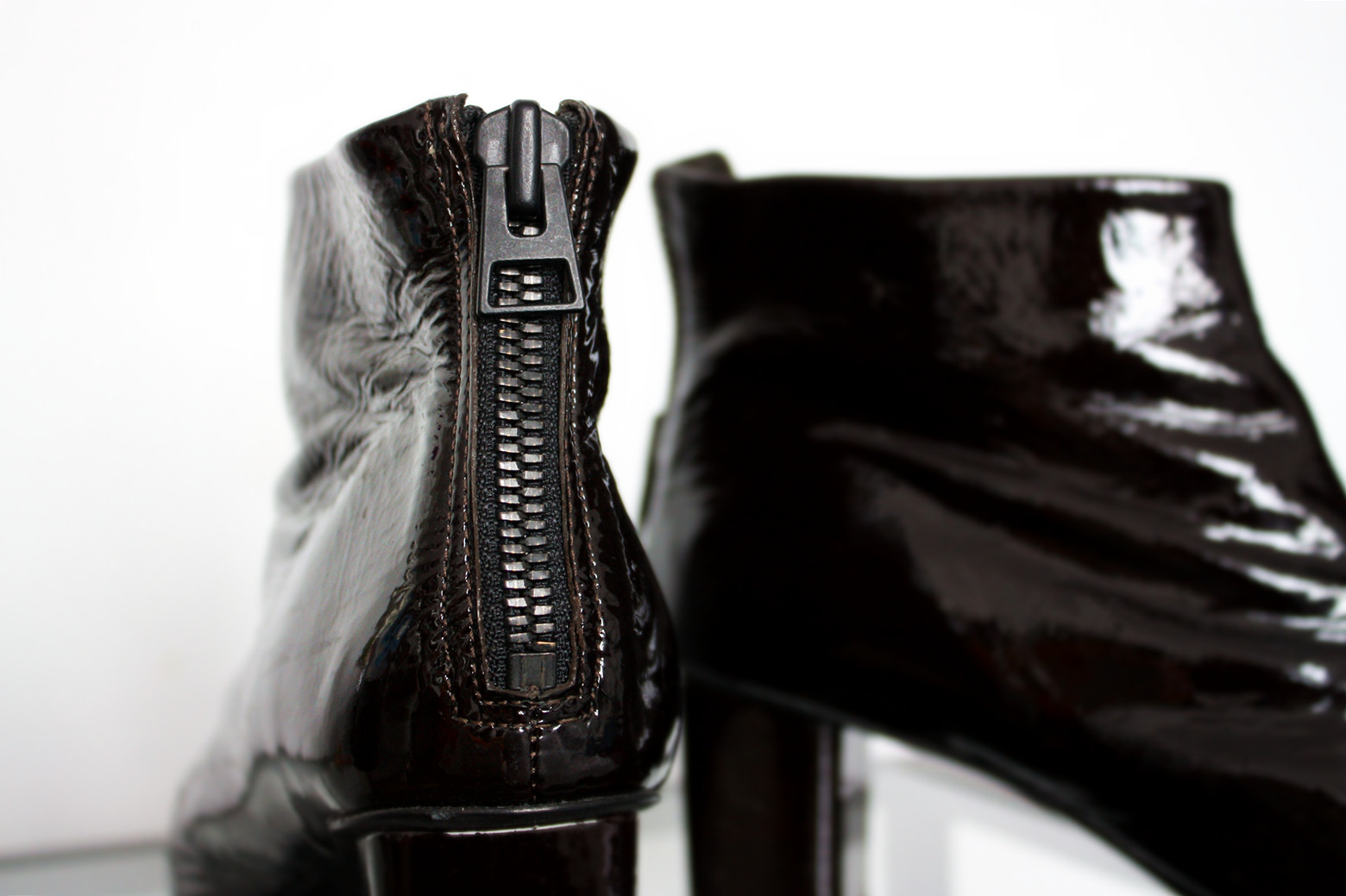 botki H&M, skórzane botki, lakierowane botki, buty na obcasie H&M
