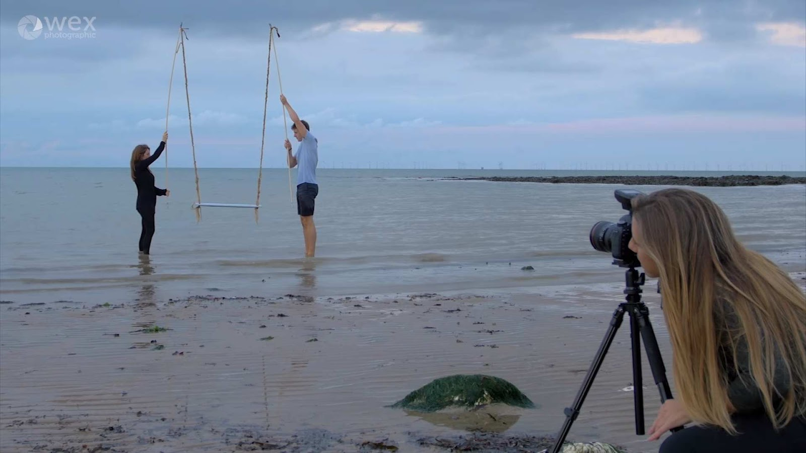 Beach Session with Hannah Couzens: Some valuable tips about reaching for that perfect shot.