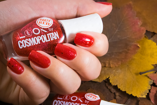 Naillook by Cosmopolitan 31446 Party Red over Cosmo red