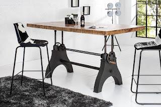 Jídelní stůl do moderní jídelny.