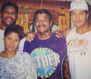 Picture of Curtis Bowles with his father & siblings
