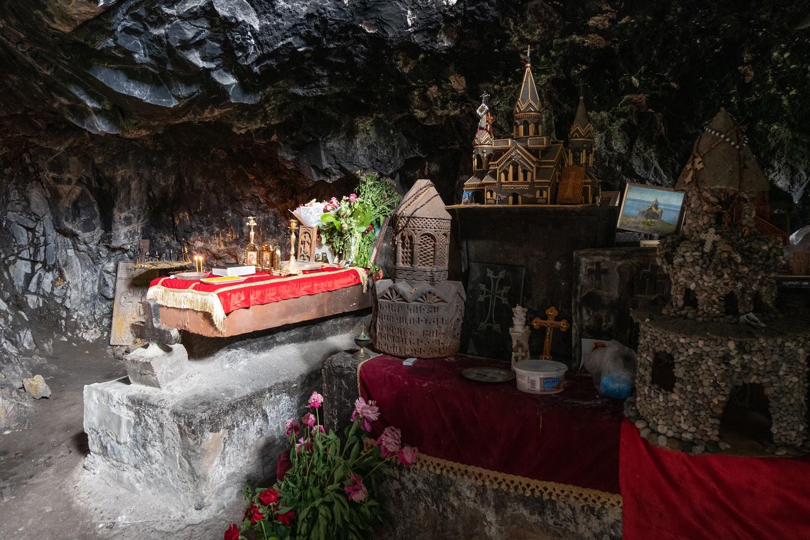 придорожное кафе в пещере армения фото ладу холодной