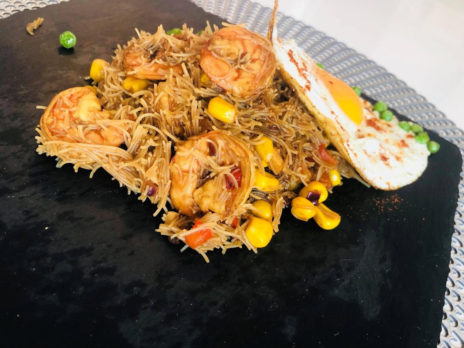 Przepisy Kulinarne Makaron Z Krewetkami Po Chinsku Jajko Sadzone