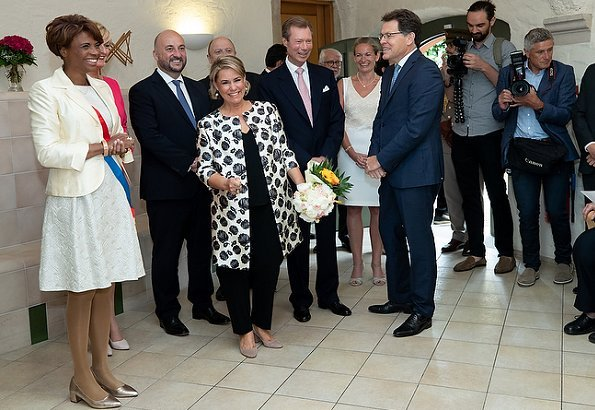 Grand Duke Henri and Grand Duchess Maria Teresa visited Bettembourg and were welcomed by Mayor Natalie Silva and Deputy Prime Minister Xavier Bettel