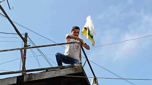 Gorkha Janmukti Morcha flag signals Gurung return