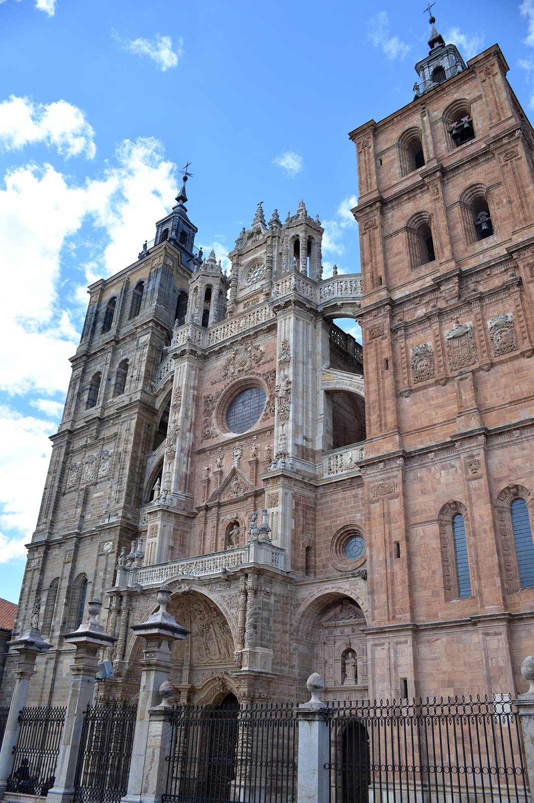 astorga cathedral barroque architecture spain