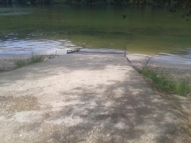 Acesso rampeado á água do Douro