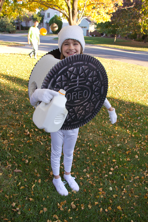I didnu0027t take any how-to photos as I made the costume but it was pretty simple. First I had Signs Now print the Oreo wafer images on adhesive vinyl.  sc 1 st  Project Denneler & Project Denneler: Oreo Cookie Costume