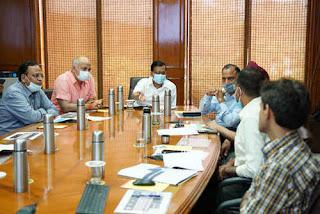 kejriwal-reviews-health-information-management-system-project