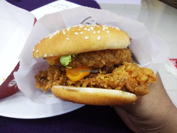 Burger KFC Zinger Chezzilla