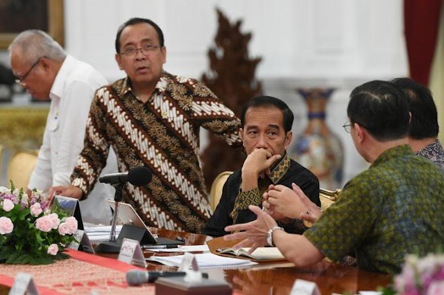 Tekstil RI Loyo, Jokowi Menyesal Sempat Buka Pintu Impor