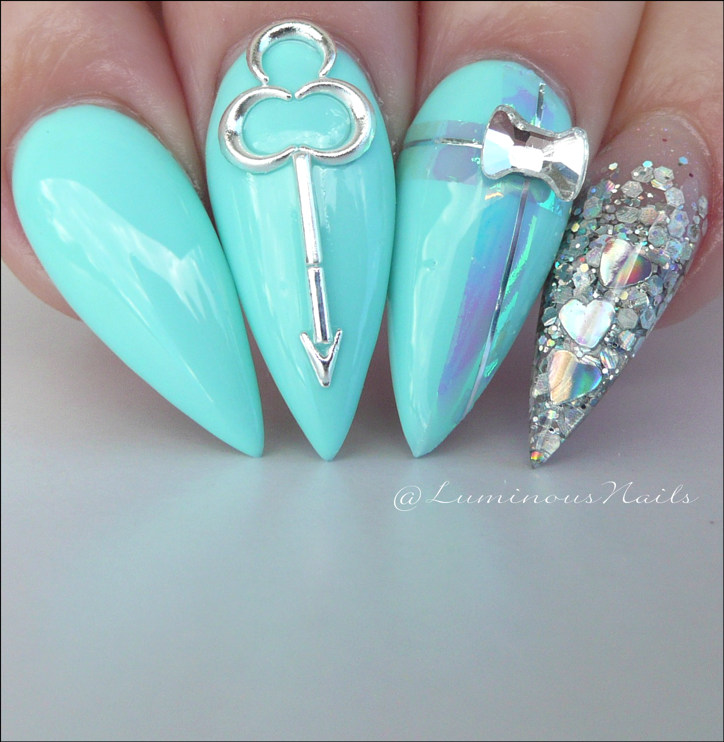 luminous nails: tiffany blue inspired acrylic & gel nails.