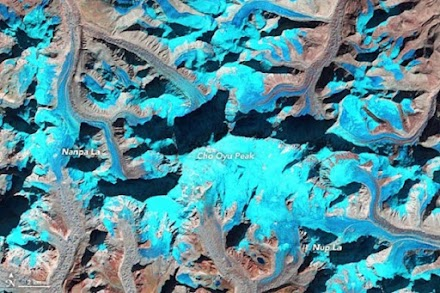 NASA: Παγετώνες χωρίς χιόνι το χειμώνα στο Όρος Έβερεστ