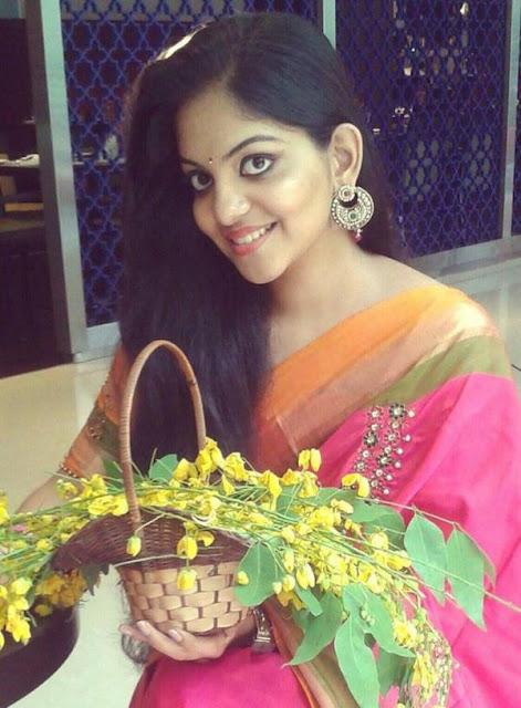 Tamil Actress Ahaana Krishna Latest Photo Gallery Navel Queens