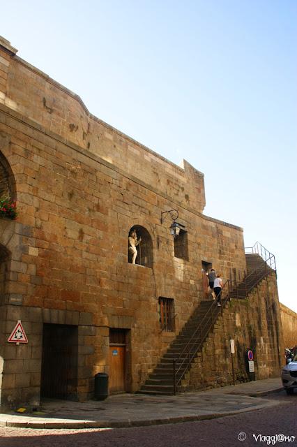 Scala per salire sulle Mura di Saint Malo