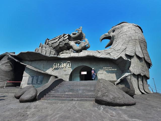 India-inaugura-colosal-estatua-de-águila-arquitectura-rajiv-anchal