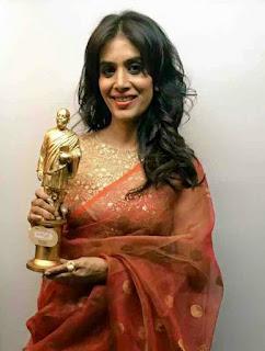 Sonali Kulkarni Award