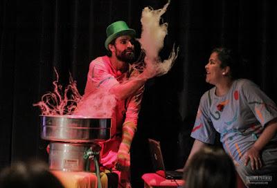 Neste domingo (05/11) tem Aurora Boreal no Sesc Registro-SP, espetáculo de teatro para bebês