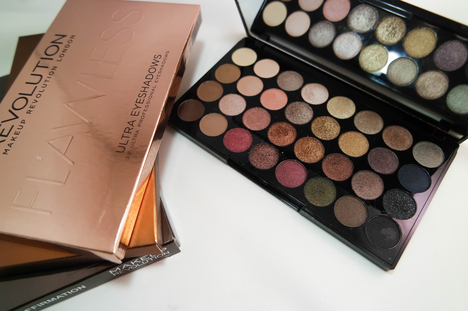 makeup revolution ultra eyeshadow palette in flawless. Black Bedroom Furniture Sets. Home Design Ideas