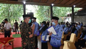 427 Pegawai Pemerintah dengan Perjanjian Kerja (P3K) bahagia terima SK PPPK