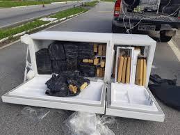 Geladeira com 250kg de droga é encontrada em carro roubado na Paraíba