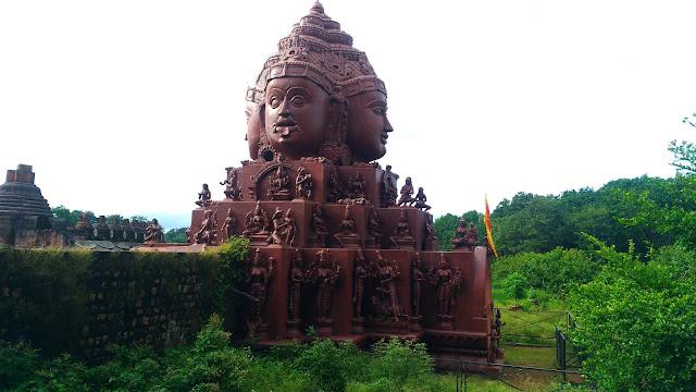 shri yantra mandir amarkantak , amarkantak ke mandir , temple in amarkantak