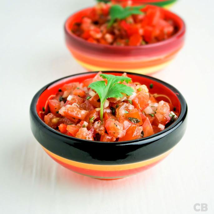 Versgemaakte Mexicaanse tomatensalsa