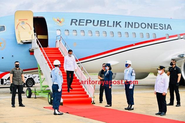 Tiba di Palangkaraya, Presiden Gunakan Heli Merah Putih Menuju Kapuas