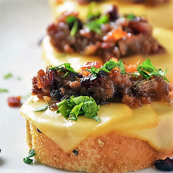 Cranberry Bacon Jam Crostini