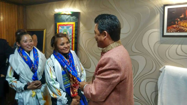 Darjeeling Everest girls Suloxchana Tamang and Trishala Gurung back, Receive grand welcome