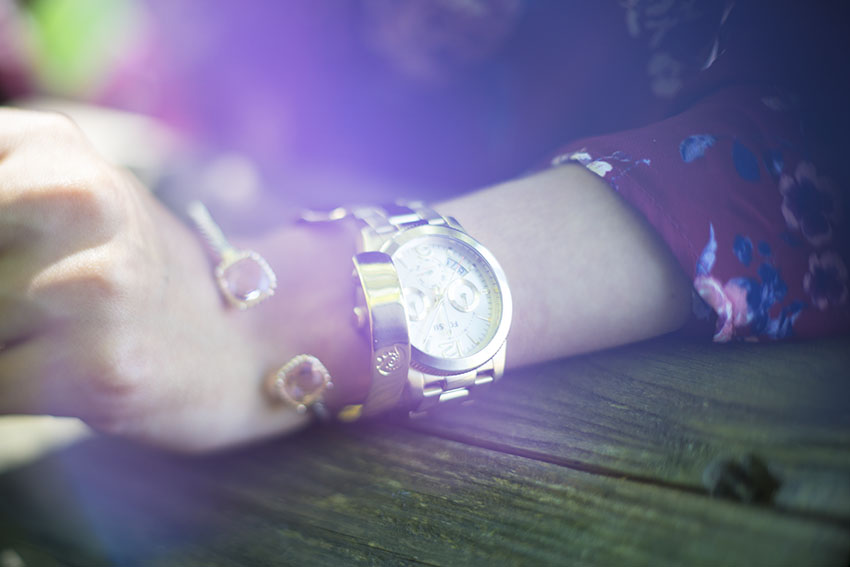 pretty little details, jewerly, gold watch, blogger, style