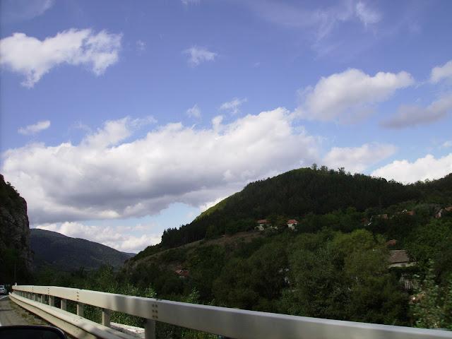 Valea Cernei. On the Cerna Valley.