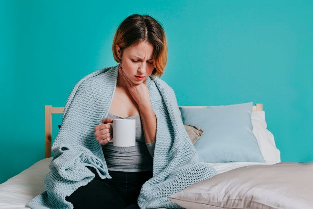 ways to treat sore throats at home