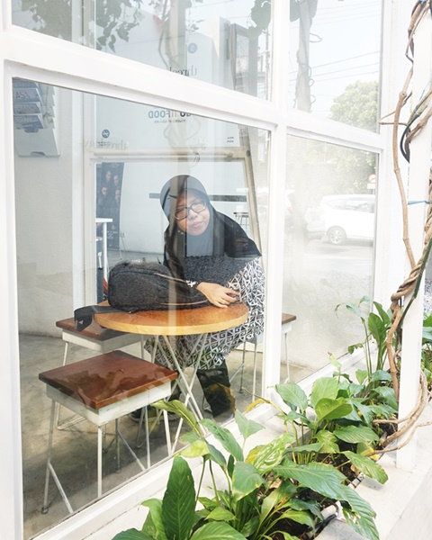 stay at home, cafe, woman wearing hijab