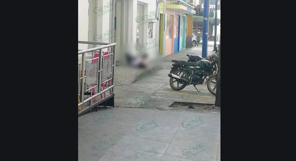 """Por andar echando una """"miada"""" a fuera de casa de Narcos le dan unos balazos"""