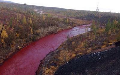 Misteri Sungai Daldykan Berubah Merah Darah di Rusia