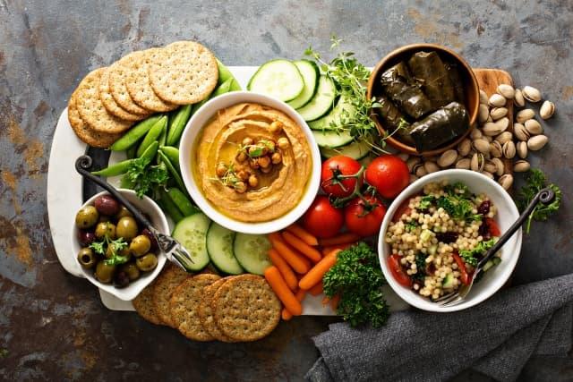 Intuitive eating là gì ? Có giúp giảm cân không