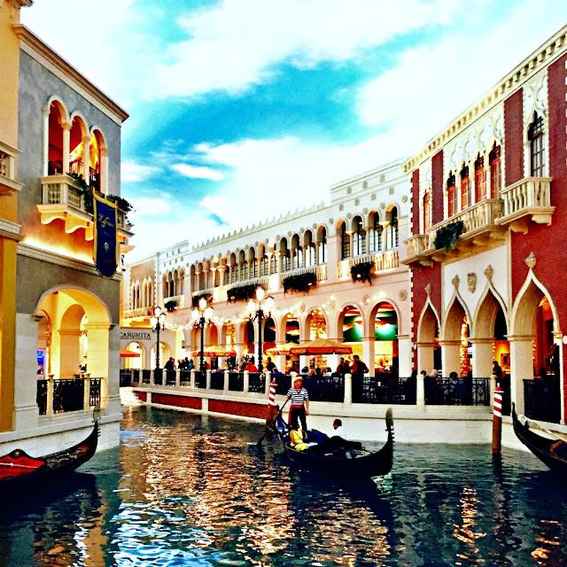 venetian, gondola