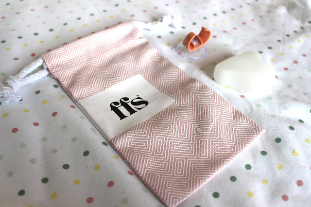 FFS women's razor subscription service bag