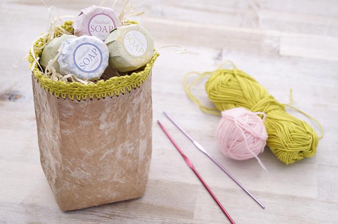 Für den Häkelrand lassen sich gut Baumwollreste verwenden.