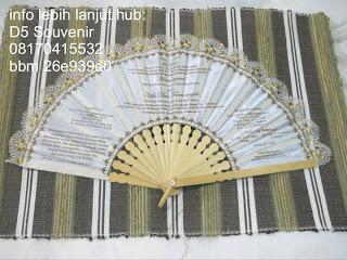 kipas undangan, souvenir kipas, souvenir kipas bordir, souvenir kipas batik, souvenir pernikahan mewah, souvenir pernikahan murah