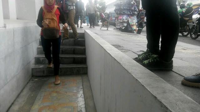 Gedung Olveh : Saksi Tenggelamnya tanah Jakarta